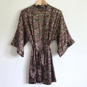 VS Black Paisley Silky Kimono Robe - XS/S